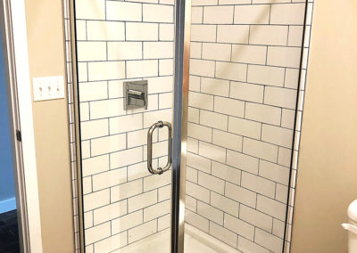 Stand up shower in The Lofts at Narrow rental