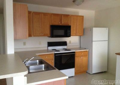 Oak Meadows apartment in Sinking Spring kitchen